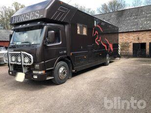 грузовик коневоз VOLVO FM 7 290 hp