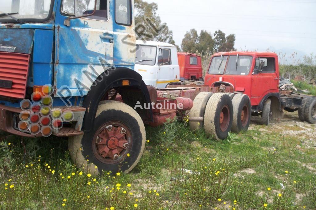 грузовик шасси IVECO 330 26