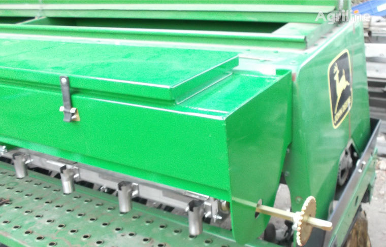 сеялка сплошного высева механическая JOHN DEERE Туковысевающий аппарат