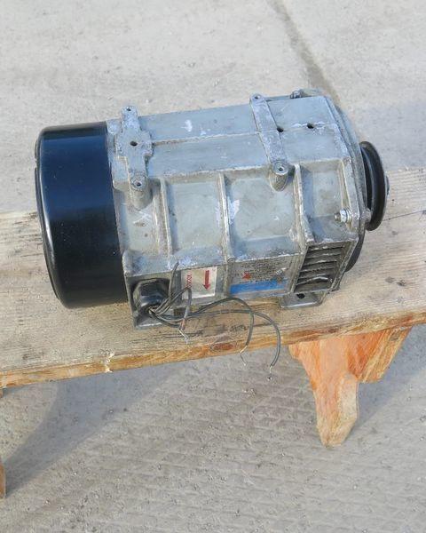 генератор  Кариер. Carrier Генератор холодильной установки Кариер.Carrier для полуприцепа Carrier