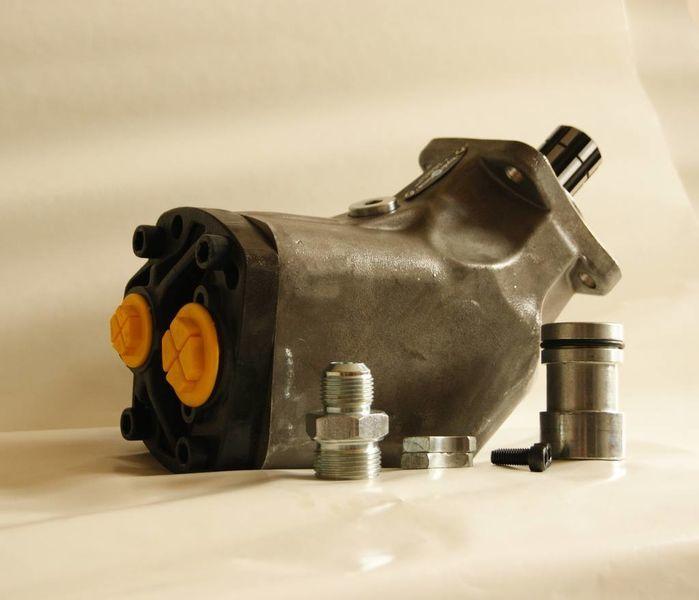 новый гидравлический насос  аксиально-поршневой 85 л/мин. для тягача