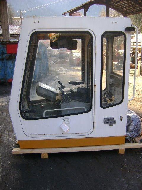 кабина  Cab LIEBHERR для экскаватора LIEBHERR 942 Cab