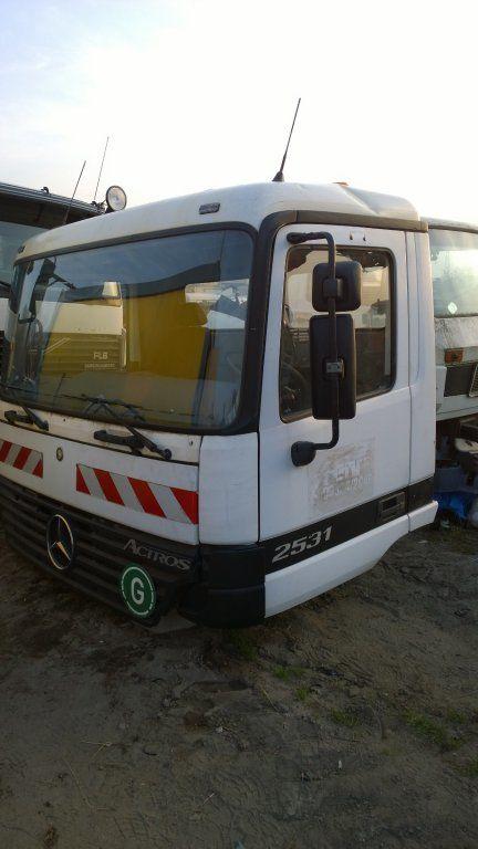 кабина для грузовика MERCEDES-BENZ Actros Budowlana dzienna 11500 zl