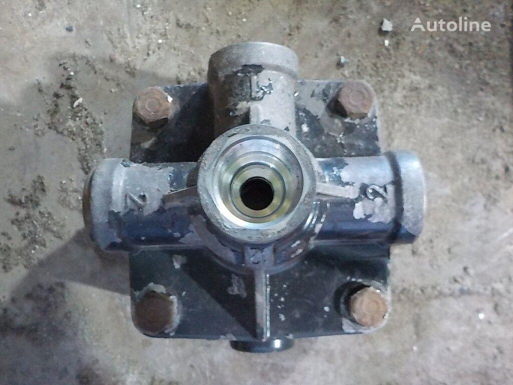 клапан  Ускорительный для грузовика MAN