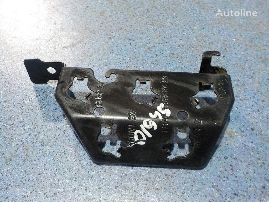 крепежные элементы  Кронштейн контрольных выводов для грузовика