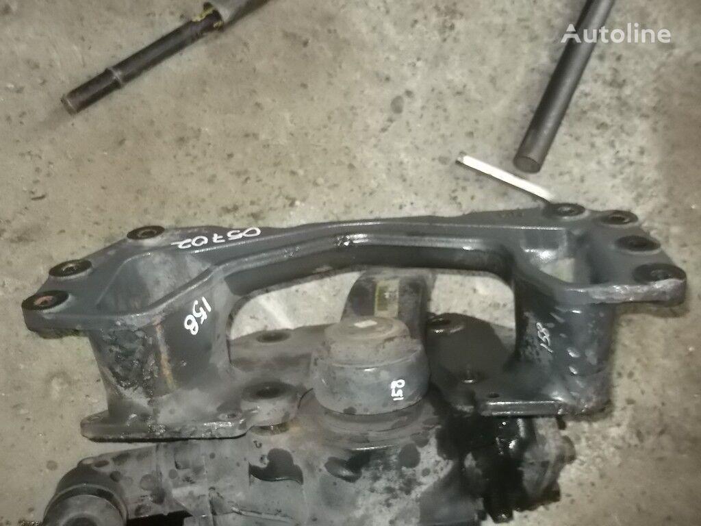 крепежные элементы  Кронштейн ГУРа Renault для грузовика