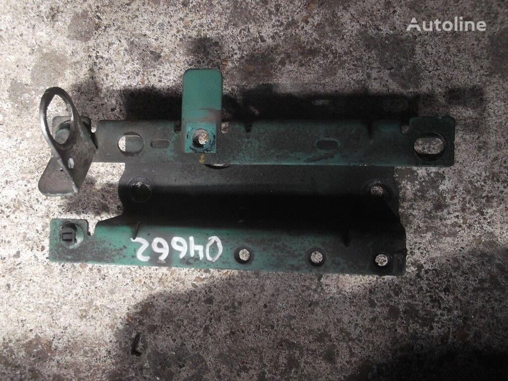 крепежные элементы  Кронштейн трубки охлаждающей жидкости Volvo для грузовика