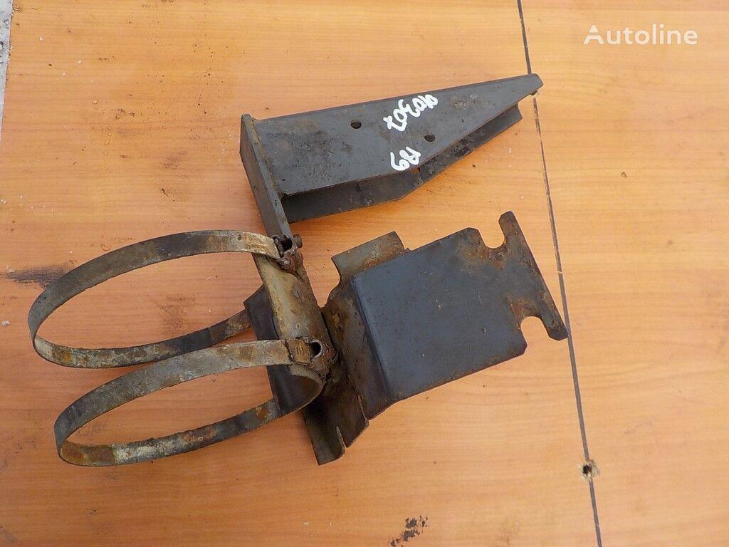 крепежные элементы  DAF Кронштейн бачка ГУРа для грузовика