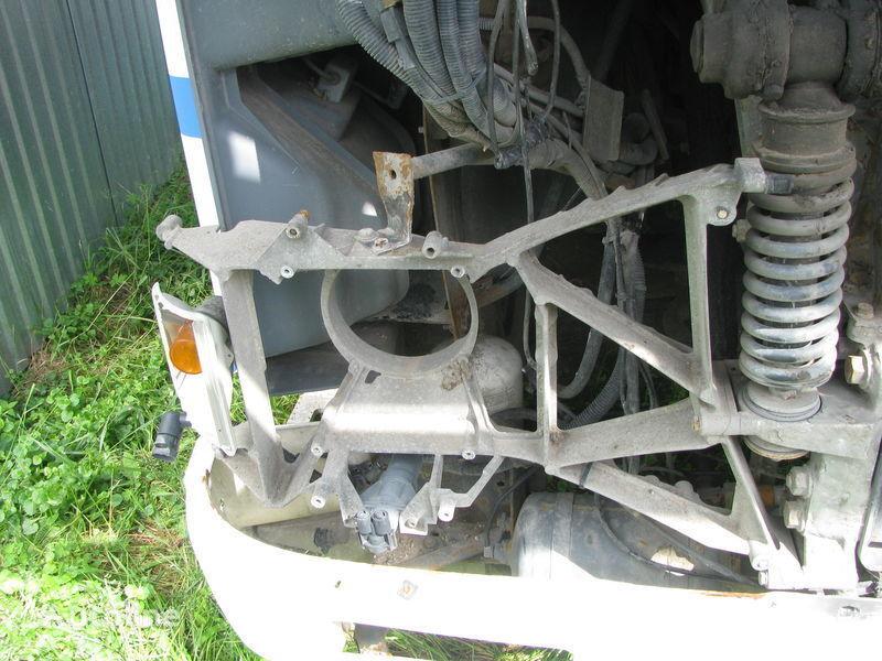 крепежные элементы  Кронштейн фары для тягача DAF