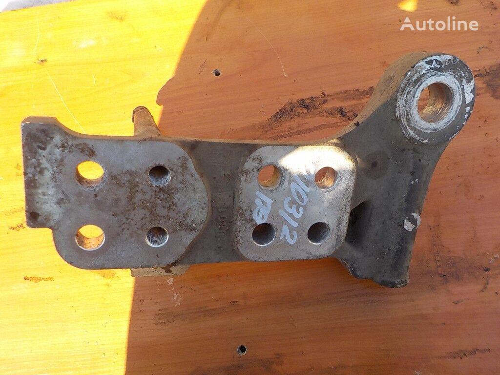 крепежные элементы  Кронштейн бампера RH для грузовика DAF