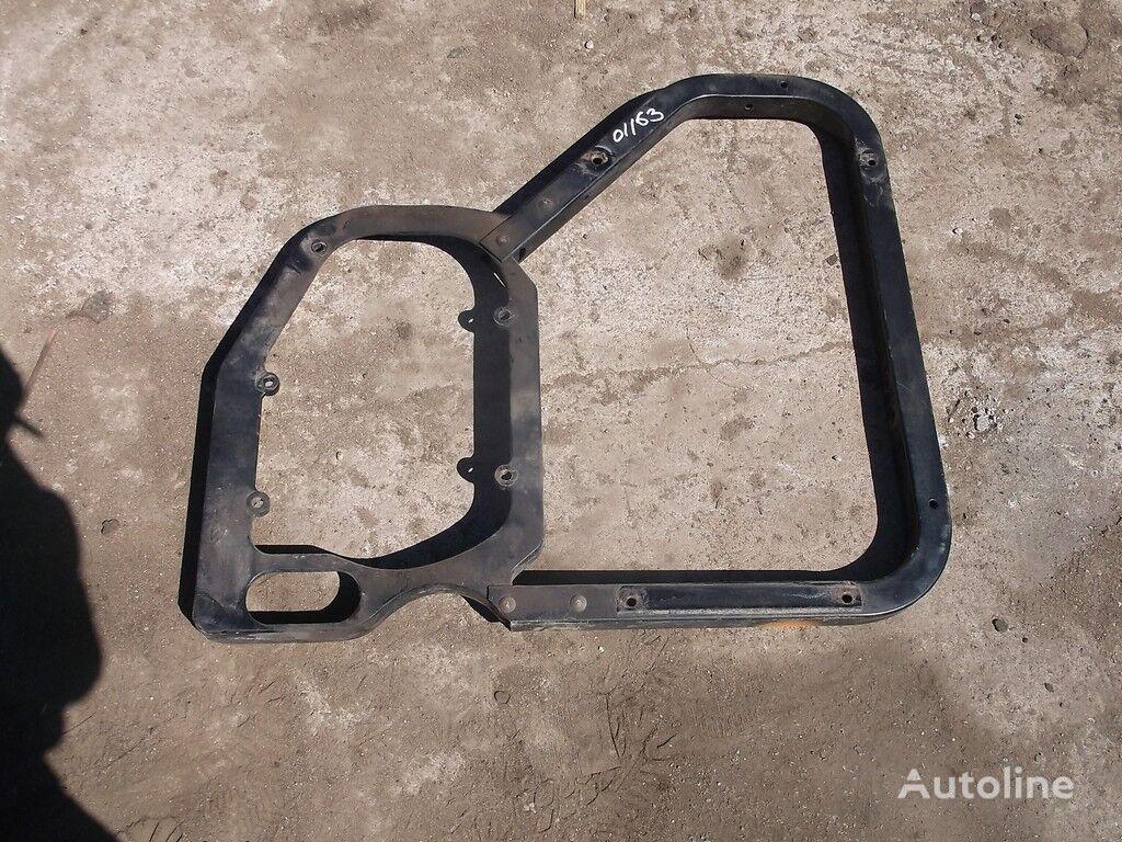 крепежные элементы  Renault Кронштейн крепления Крыла прав. для грузовика RENAULT