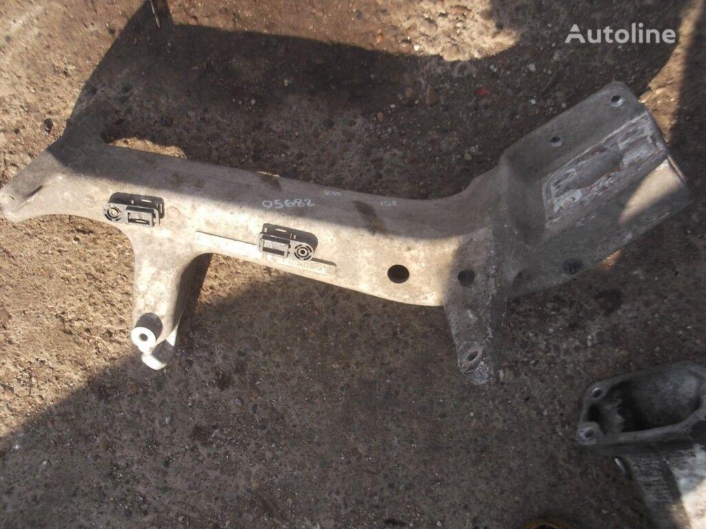 крепежные элементы RENAULT переднего бампера RH для грузовика RENAULT