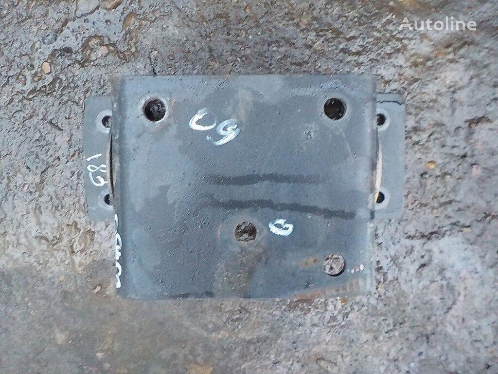 крепежные элементы Кронштейн осушителя Iveco для грузовика