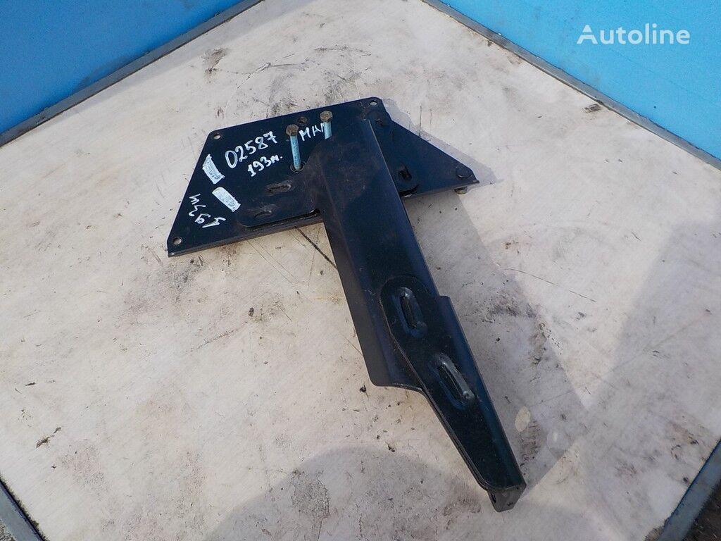 крепежные элементы системы AdBlue MAN для грузовика