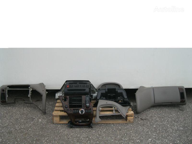 облицовка DAF PRZEKŁADKA PRZERÓBKA KABINY Z ANGLIKA для тягача DAF XF 105