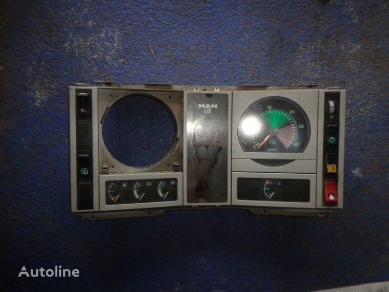 панель приборов MAN для грузовика MAN 18