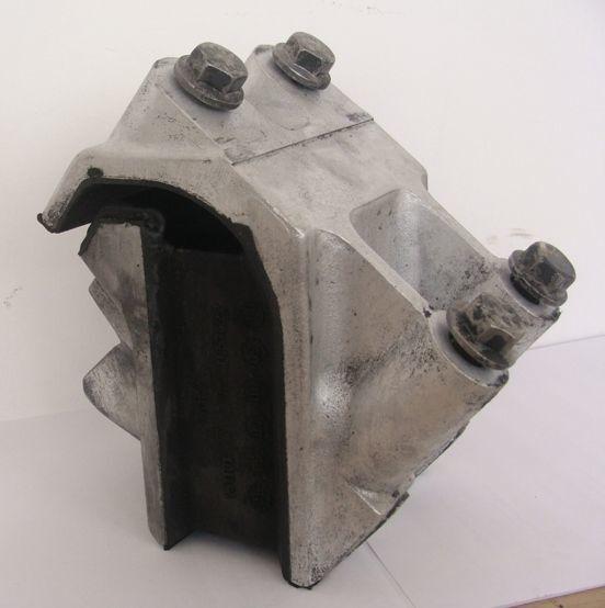 подушка опоры двигателя для тягача DAF XF 105