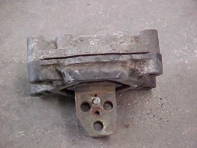 подушка опоры двигателя MAN Motorrubber для грузовика MAN TGA