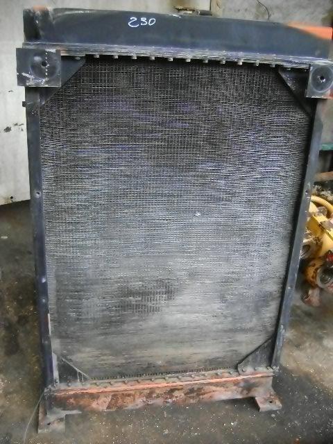 радиатор охлаждения двигателя FIAT-HITACHI для фронтального погрузчика FIAT-HITACHI W 230