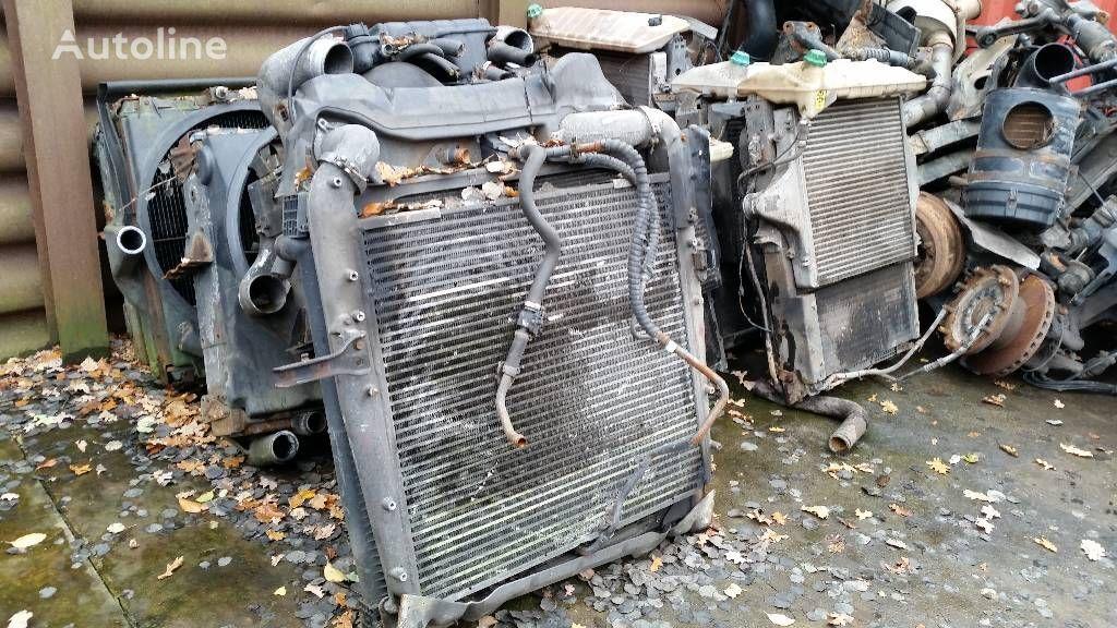 радиатор охлаждения двигателя MERCEDES-BENZ 1840 для грузовика MERCEDES-BENZ 1840