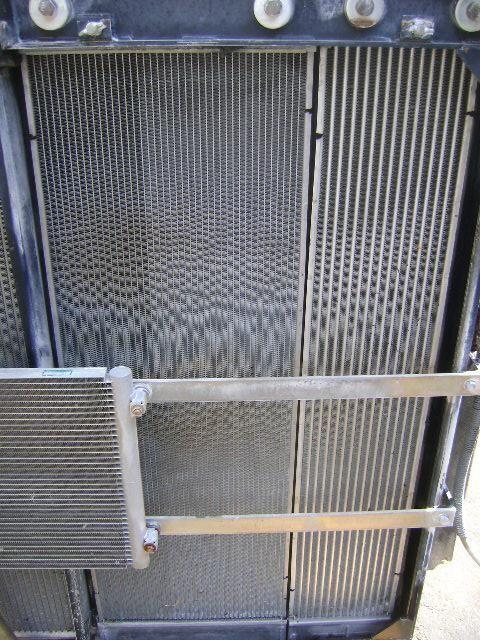радиатор охлаждения двигателя NEW HOLLAND для экскаватора NEW HOLLAND E 385 B