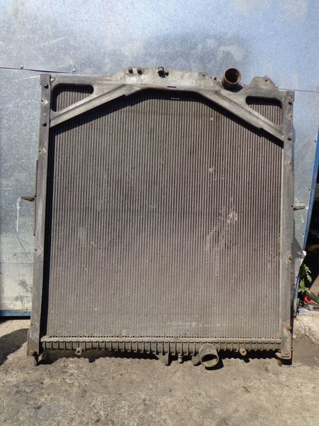 радиатор охлаждения двигателя для тягача VOLVO FM, FH
