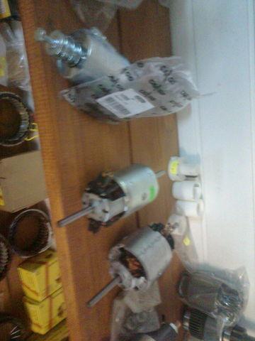 новый радиатор печки MERCEDES-BENZ Мотор печки 0130111130 bosch для тягача MERCEDES-BENZ ACTROS