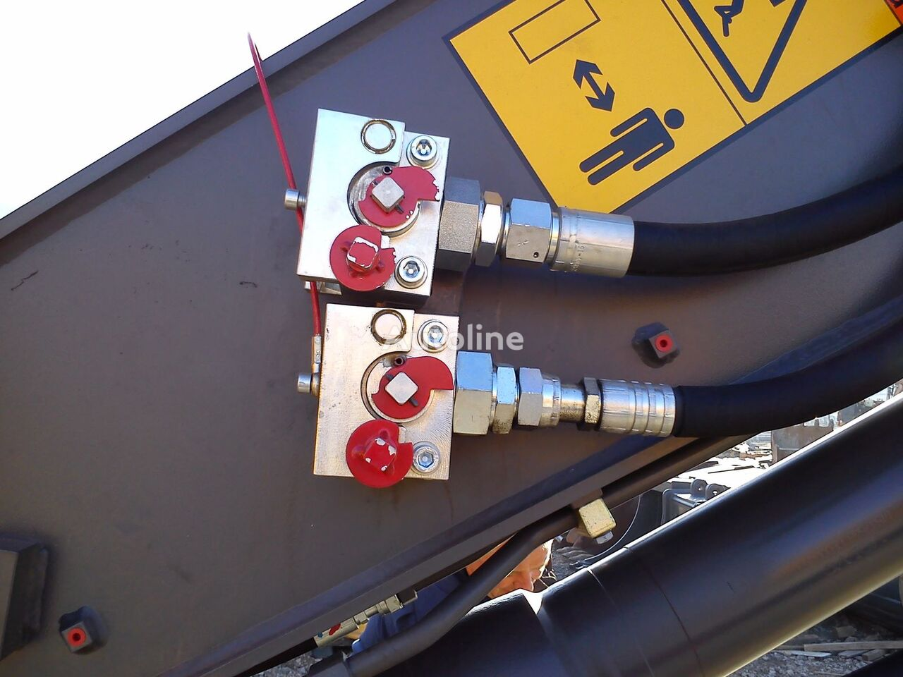 новое сцепное устройство для навесного оборудования  Balavto coupler B-Quick for hydraulic hoses