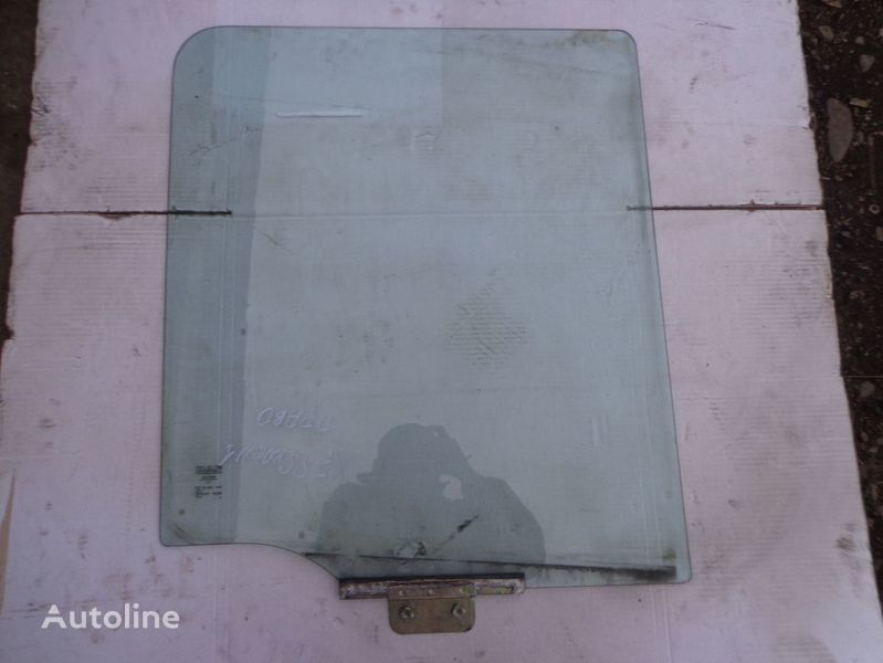 стекло  подъемное для тягача DAF XF
