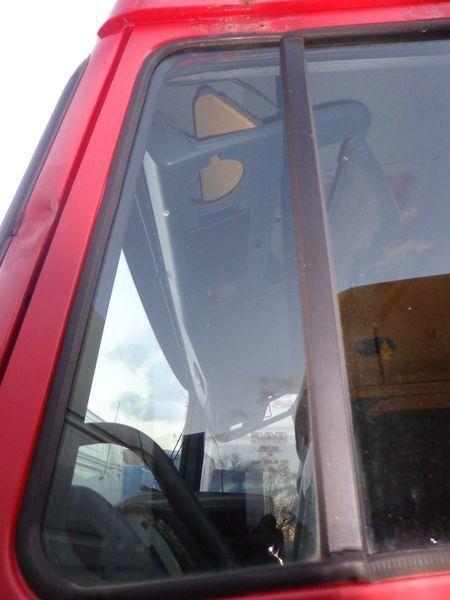 стекло DAF неподъемное для тягача DAF XF