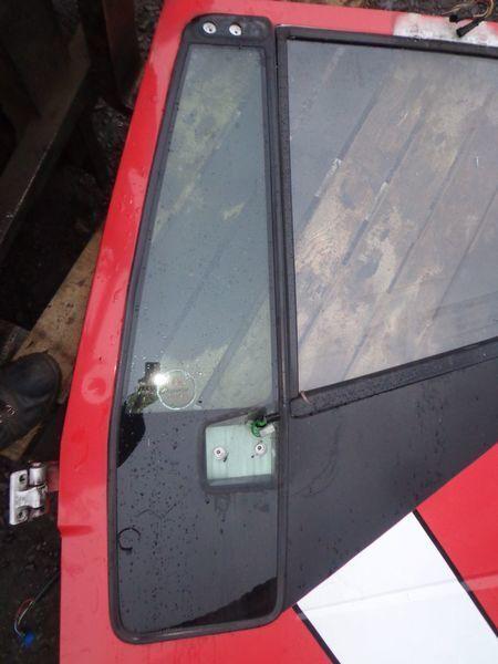 стекло  неподъемное для грузовика IVECO Stralis