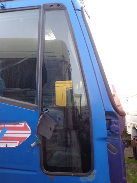 стекло IVECO неподъемное для тягача IVECO EuroStar, EuroTech