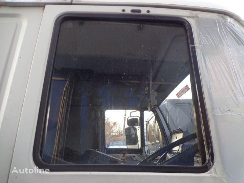 стекло  подъемное для грузовика MAN 18