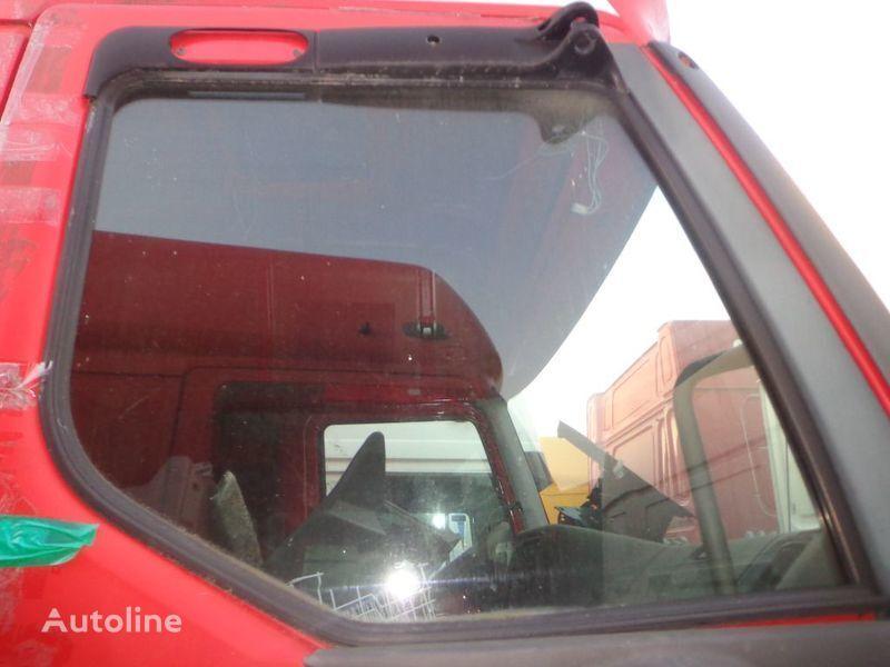 стекло RENAULT для грузовика RENAULT Premium