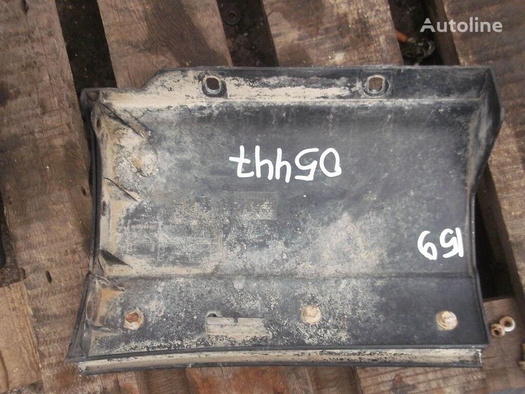 запчасти  Накладка на крыло RH Iveco для грузовика
